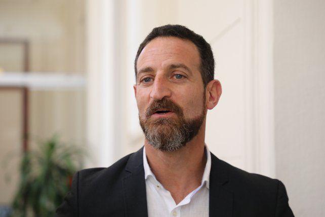 El ministro de Trabajo provincial, Roberto Sukerman.