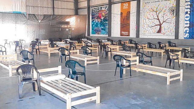 Acondicionado. El gimnasio de Los Tiburones será de utilidad en Arroyo Seco si la situación se agrava.