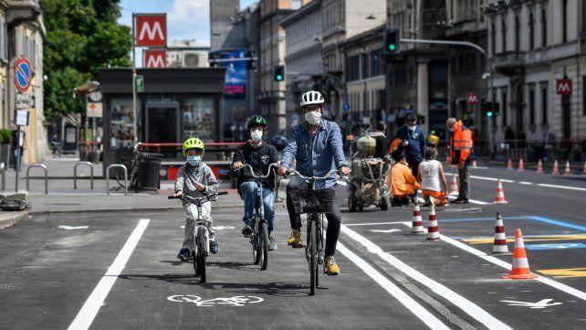 Milán estrena ciclovías. Italia sale gradualmente del confinamiento.