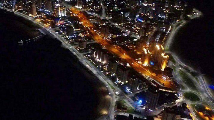 La bella Punta del Este de noche
