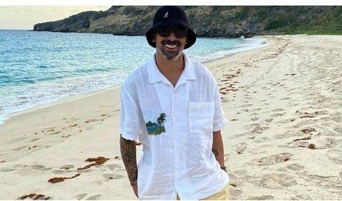 Relax. Pocho Lavezzi, ex Coronel Aguire, está en cuarentena en el Caribe.