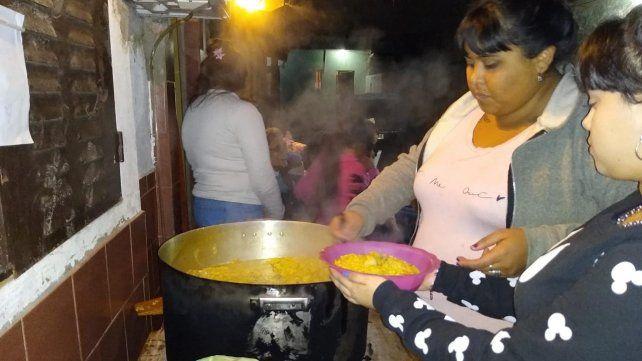 Una ONG de jóvenes alimenta a más de 150 familias en zona sur