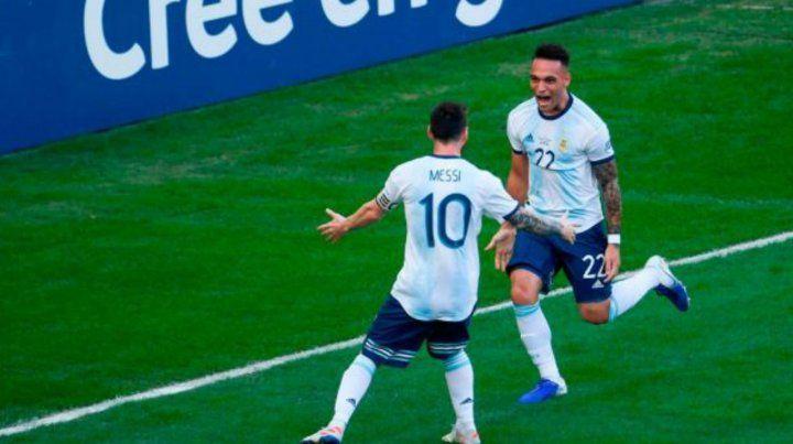 Messi llamó a Lautaro Martínez para que se sume a Barcelona