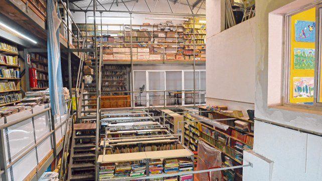 La biblioteca de Zelaya al 2000 cuenta con una gran cantidad de volúmenes y ofrece además talleres