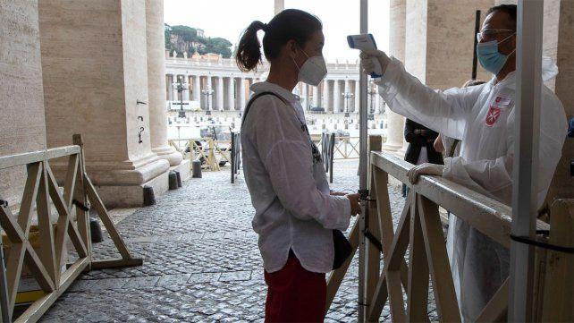 Italia baja la mortalidad pero teme a una segunda ola en otoño