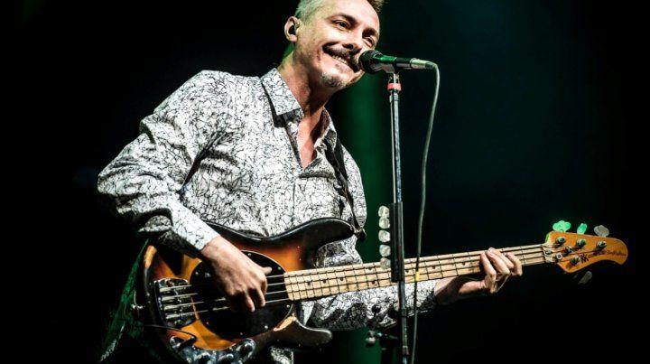 """Aquel bajista de Serú. Pedro Aznar dijo que esta etapa de pandemia """"invita fuertemente a la reflexión""""."""