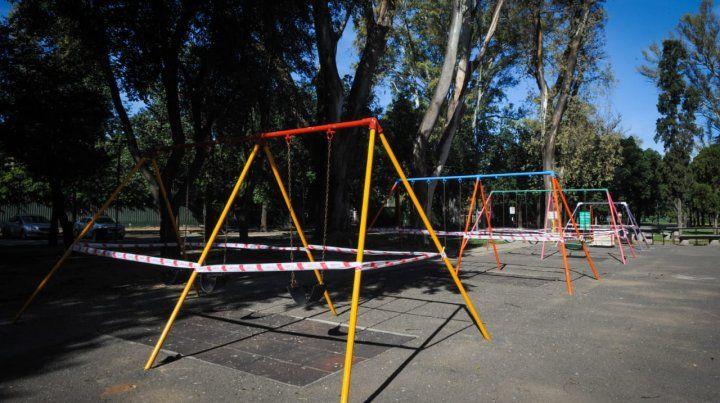 Los juegos infantiles en el parque Independencia fueron clausurados.