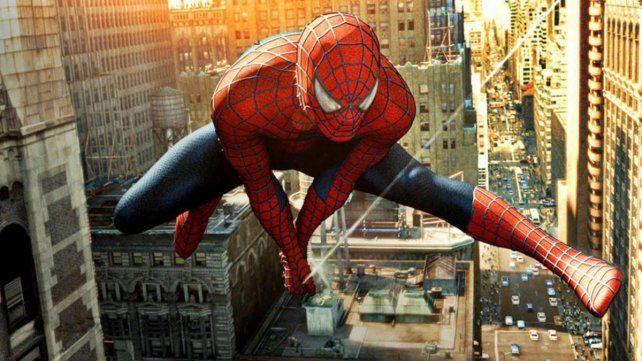 Tres hermanos pusieron en riesgo sus vidas por querer ser Spiderman