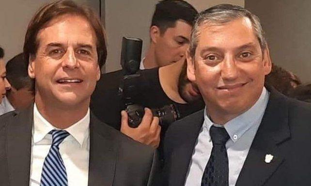 El presidente uruguayo Luis Lacalle Pou con Carlos Fernando Enciso Christiansen