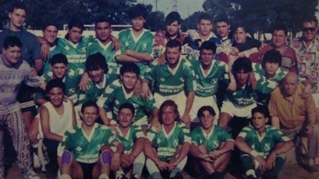 Inolvidables. Los muchachos de Mercadito que lograron el primer ascenso a primera de la Rosarina en el 95.
