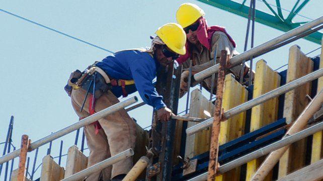 Decreto. El número máximo de obreros autorizados subió de 5 a 10.