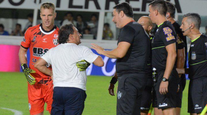 Arbitros piden la ayuda de los jugadores para cuando vuelva el fútbol argentino