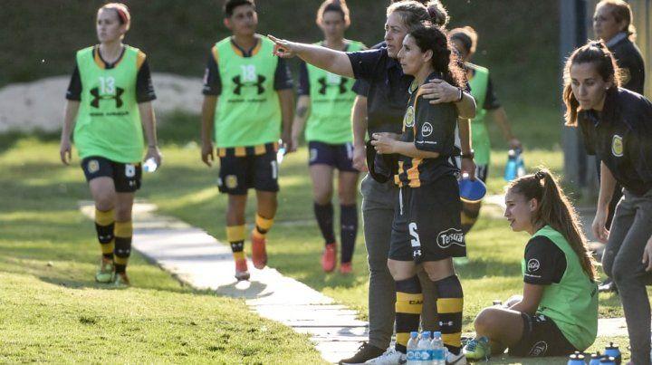 Juntas. Roxana Vallejos lleva adelante la conducción del plantel que finalizó 8° en AFA.
