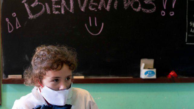 Uruguay es el primer país latinoamericano que vuelve a las clases presenciales