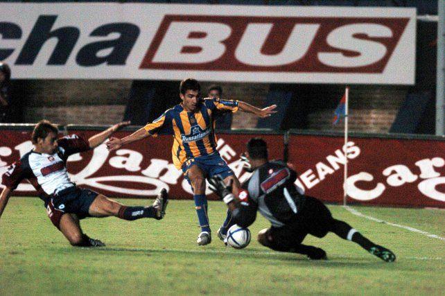 Vitti y un partido inolvidable. Fue en marzo de 2005 ante San Lorenzo. Hizo dos goles y fue la figura excluyente de la cancha.