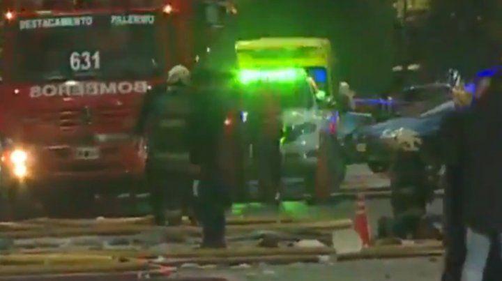 Dos bomberos murieron en las explosiones que produjo un incendio en Villa Crespo