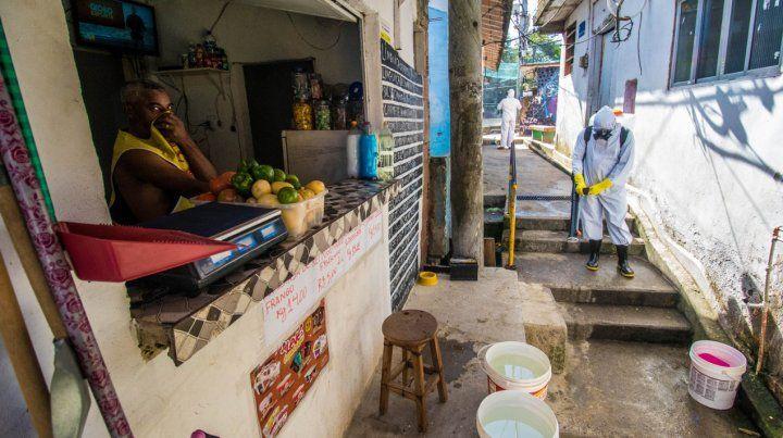 Brasil se acerca a los 30 mil casos diarios de coronavirus y acumula 32.548 muertes