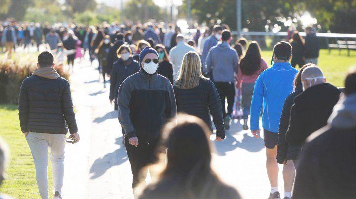 Continuarán las salidas recreativas los fines de semana con la modalidad caminatas por parques y plazas.