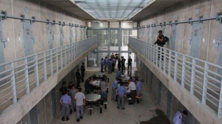Piñero. La cárcel ubicada en el Gran Rosario tiene unos 500 presos más que los autorizados por la Justicia.