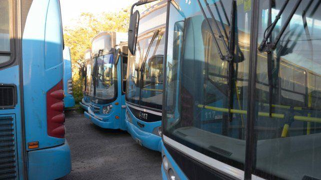 Fracasó la negociación y continúa el paro de colectivos en Rosario y la región