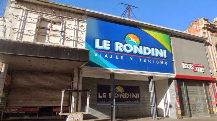 La fachada. El local de peatonal Córdoba 1280 donde funcionó la agencia de turismo desde 1988.