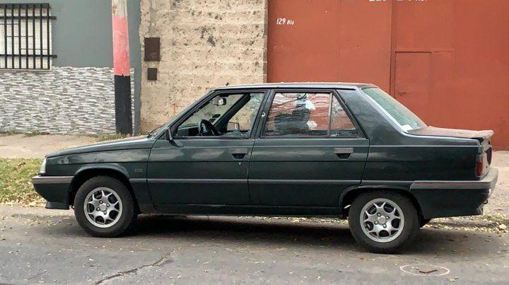Así quedó el Renault 9en Cerrito al 100 bis.