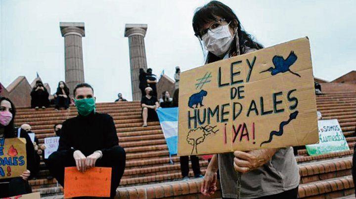 La protesta exigió la sanción de una ley de humedales.