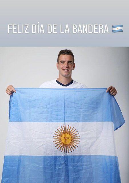 Giovani Lo Celso eligió una foto suya con la bandera argentina para el homenaje a Belgrano.