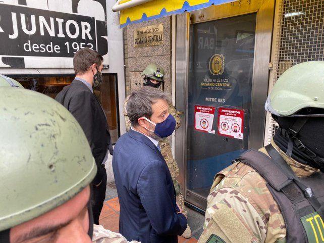 El fiscal Moreno participó de los allanamientos en la sede de Central.