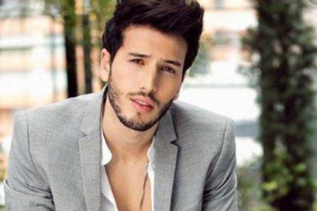 Sebastián Yatra le envió un mensjae a la mexicana Danna Paola.