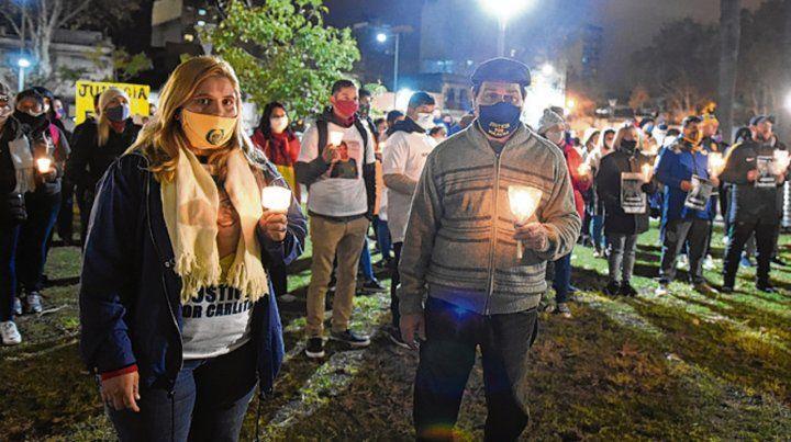 luz de esperanza. La que encendieron los familiares de Carlos Orellano.