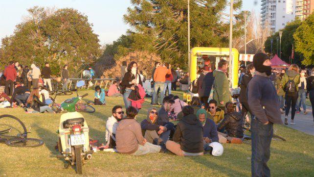 Muchos rosarinos se concentraron en parques y plazas.