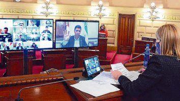 en cámara. El Senado, presidido por Rodenas, sesionó de manera virtual.