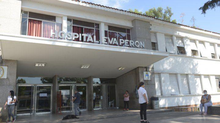 Uno de los motociclistas fue atendido en el Hospital Eva Perón.