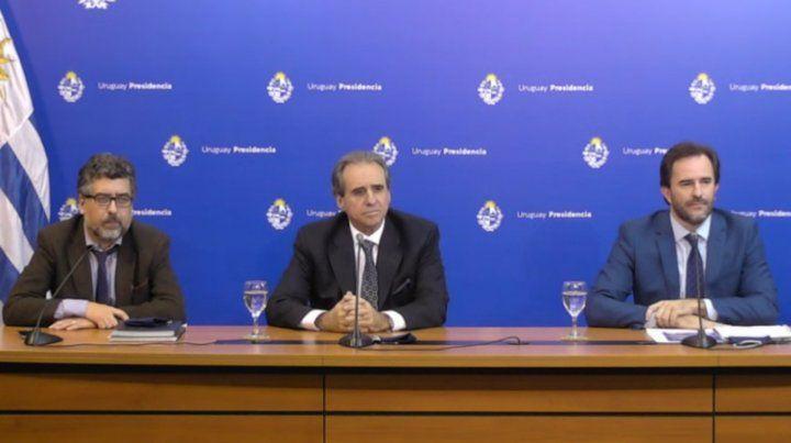 Las autoridades de Tursimo de Uruguay durante la presentación del protocolo.