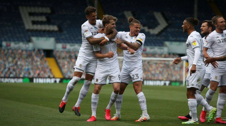 El Leeds de Bielsa goleó y se encamina al ascenso a la Premier League