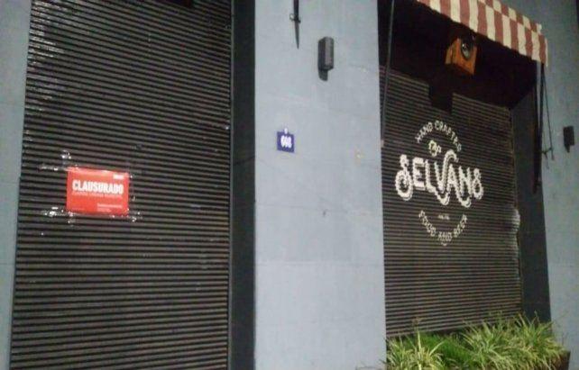 Uno de los locales clausurados durante esta madrugada. (Foto: prensa Municipalidad)