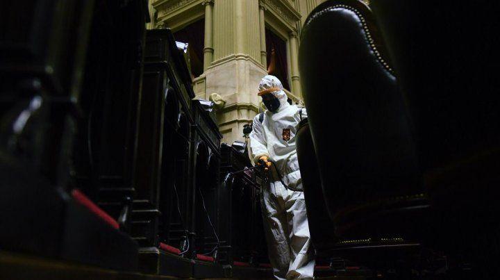 Desinfectan el Congreso por el positivo de coronavirus de un diputado