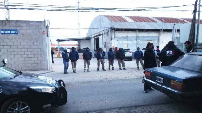 Detuvieron a trece empleados de un galpón de materiales en una protesta gremial
