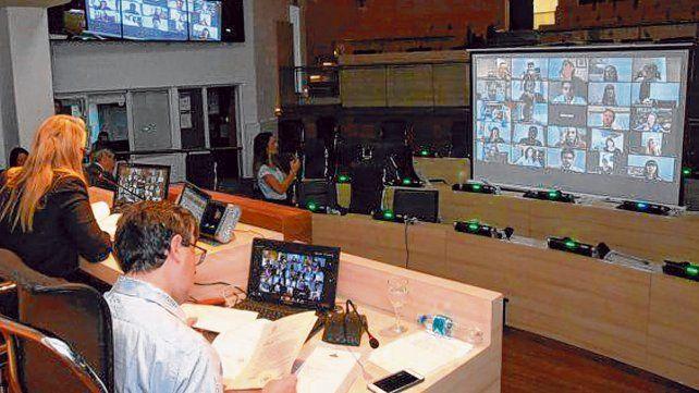 Pionero. El Palacio Vasallo fue el primer cuerpo legislativo que sesionó en forma virtual en todo el país el pasado 8 de abril.