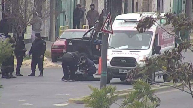 Atropellaron a un agente municipal en un control de tránsito y debieron internarlo