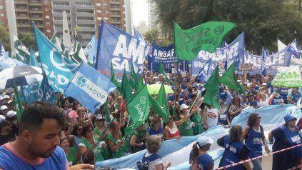 Una manifestación prepandemia de Amsafé y Sadop.