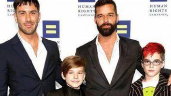 Ricy Martin y su marido Jwan Yosef junto a dos de sus hijos.