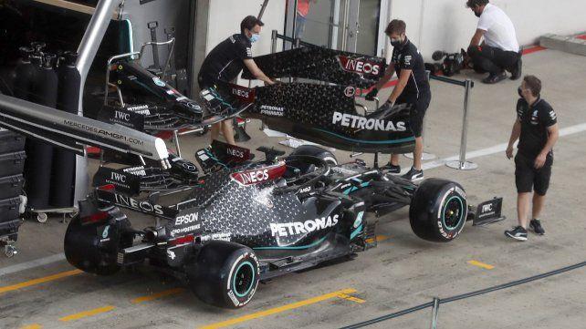 La F-1 ya trabajó ayer en los boxes del Red Bull Racing