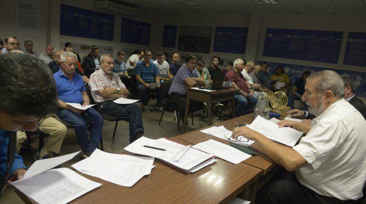 Luces para todos. Giammaría busca el apoyo de Pablo Javkin y el Banco Municipal.