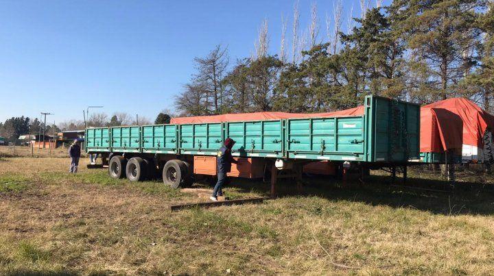 Allanaron una quinta de Esteban Alvarado  y secuestraron quince camiones y armas de fuego