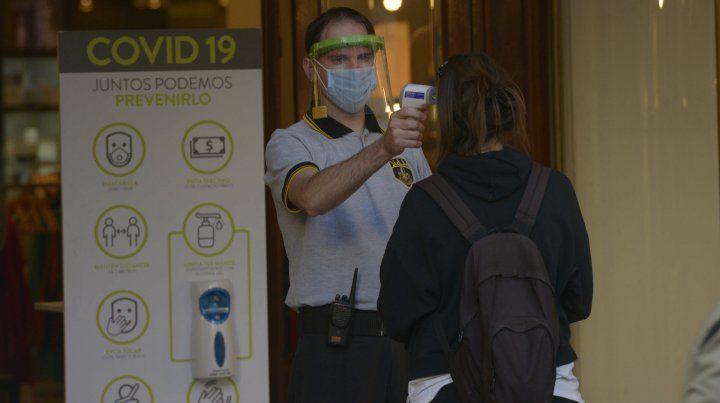 La provincia registró cinco nuevos positivos por Covid-19 y todos son de Rosario