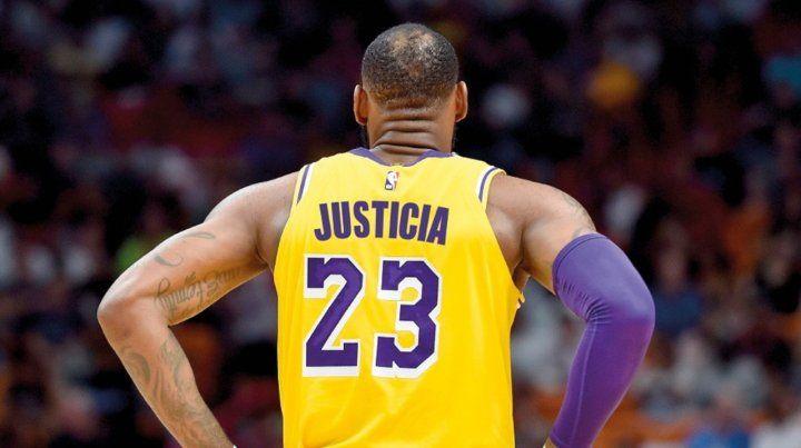 La NBA autorizó consignas políticas en las camisetas