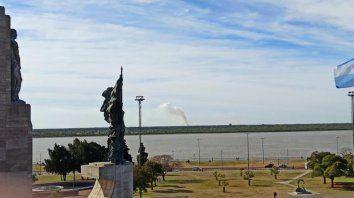 Otra vez hay incendios en las islas: envían aviones hidrantes para sofocarlos
