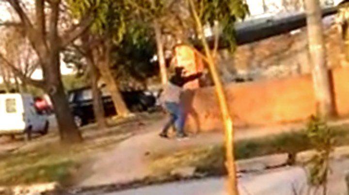 Un feroz tiroteo entre delincuentes en un barrio de Rafaela quedó grabado en video